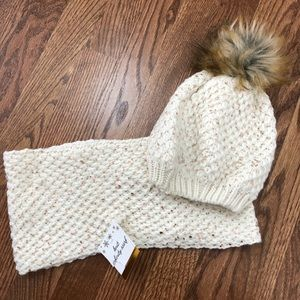 Knit Infinity Scarf and Knit Hat with Faux Fur